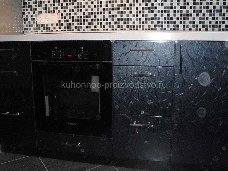 Черно белая кухня в цветочек пленка ПВХ
