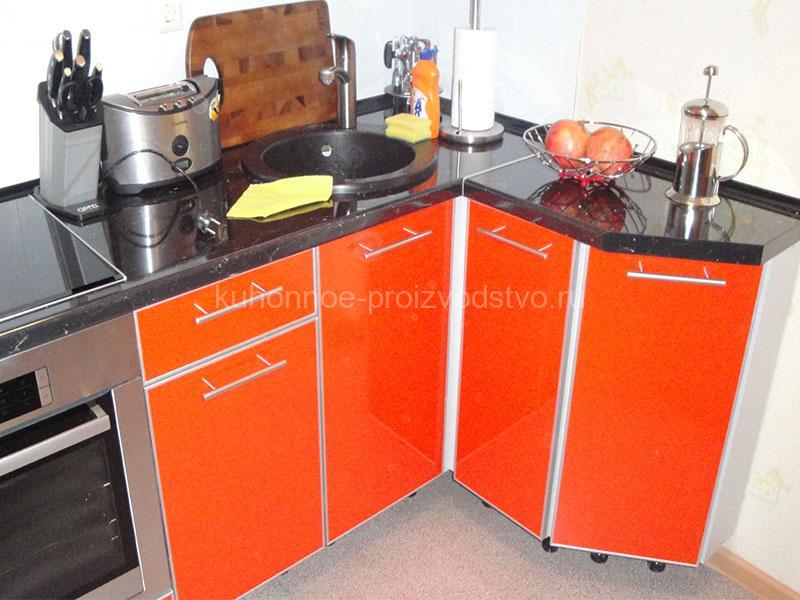 Кухни из HPL пластика ARPA в алюминиевой рамке