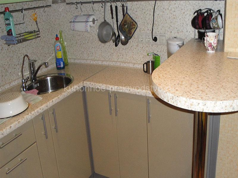 Кухни МДФ окутанный пленкой ПВХ шампань Плюс олива металлик