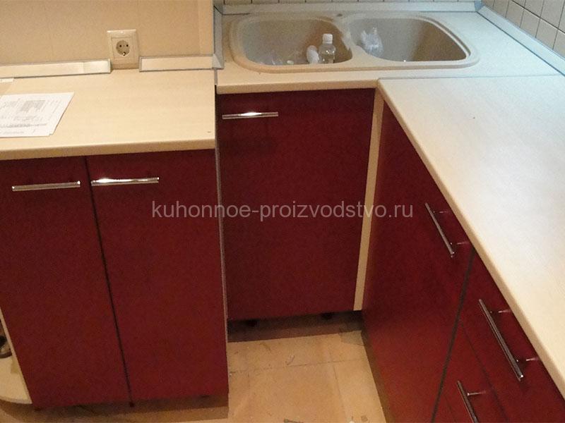 Кухня пластик МДФ Арпа бордового цвета 2