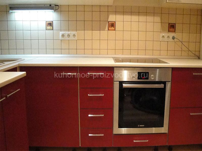Кухня пластик МДФ Арпа бордового цвета