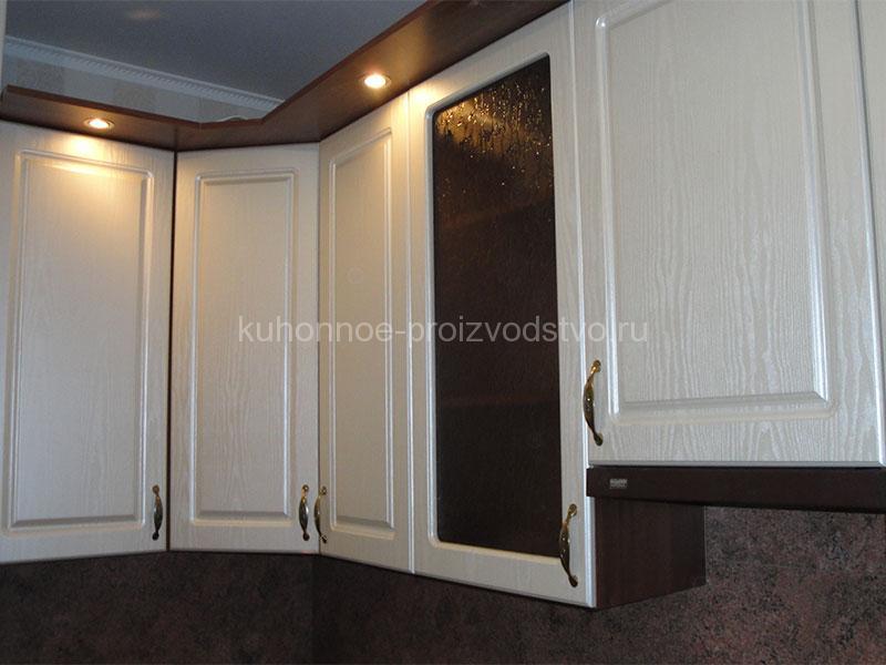 Кухня с фасадами ПВХ пленка фрезеровка квадро